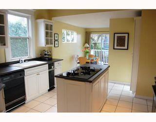 "Photo 6: 3049 ONTARIO Street in Vancouver: Mount Pleasant VW House for sale in ""MOUNT PLEASANT"" (Vancouver West)  : MLS®# V753820"