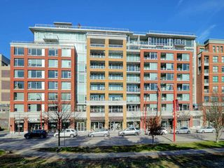Photo 1: 515 221 UNION Street in Vancouver: Strathcona Condo for sale (Vancouver East)  : MLS®# R2395428