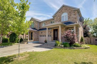 Photo 1: 62 Starr Crescent in Aurora: Bayview Northeast House (2-Storey) for sale : MLS®# N4546217