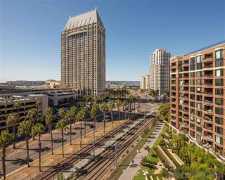 Photo 6: DOWNTOWN Condo for sale : 3 bedrooms : 500 W Harbor Drive #1022 in San Diego
