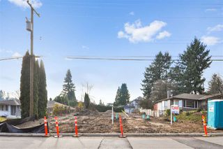 Photo 1: 215 MOUNT ROYAL Drive in Port Moody: Port Moody Centre Land for sale : MLS®# R2435876