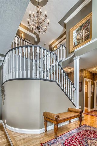 Photo 2: 363 PATTERSON Boulevard SW in Calgary: Patterson Detached for sale : MLS®# C4287751