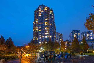 "Photo 2: 420 5380 OBEN Street in Vancouver: Collingwood VE Condo for sale in ""URBA"" (Vancouver East)  : MLS®# R2449064"