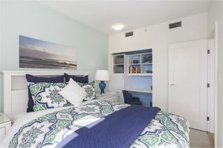 """Photo 14: 703 38 W 1ST Avenue in Vancouver: False Creek Condo for sale in """"THE ONE BY PINNACLE"""" (Vancouver West)  : MLS®# R2450251"""