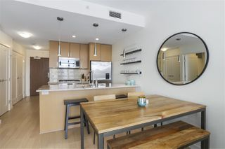 """Photo 7: 703 38 W 1ST Avenue in Vancouver: False Creek Condo for sale in """"THE ONE BY PINNACLE"""" (Vancouver West)  : MLS®# R2450251"""