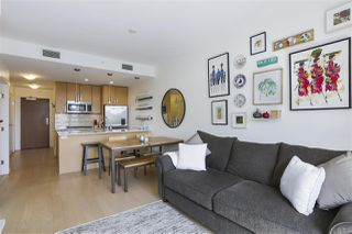 """Photo 6: 703 38 W 1ST Avenue in Vancouver: False Creek Condo for sale in """"THE ONE BY PINNACLE"""" (Vancouver West)  : MLS®# R2450251"""