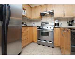 """Photo 5: 101 1868 W 5TH Avenue in Vancouver: Kitsilano Condo for sale in """"GREENWICH WEST"""" (Vancouver West)  : MLS®# V790007"""