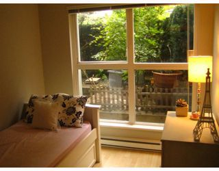 """Photo 10: 101 1868 W 5TH Avenue in Vancouver: Kitsilano Condo for sale in """"GREENWICH WEST"""" (Vancouver West)  : MLS®# V790007"""