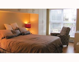 "Photo 10: 212 315 KNOX Street in New Westminster: Sapperton Condo for sale in ""SAN MARINO"" : MLS®# V809268"