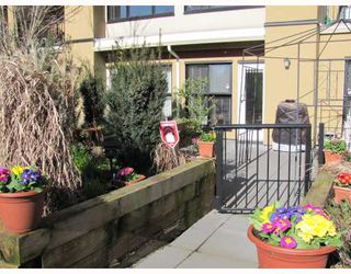 "Photo 3: 212 315 KNOX Street in New Westminster: Sapperton Condo for sale in ""SAN MARINO"" : MLS®# V809268"