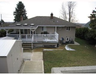 Photo 10: 4247 WINNIFRED Street in Burnaby: South Slope House for sale (Burnaby South)  : MLS®# V756908