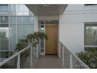 Photo 16: 212 68 Songhees Rd in VICTORIA: VW Songhees Condo Apartment for sale (Victoria West)  : MLS®# 499543