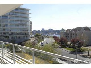 Photo 9: 212 68 Songhees Rd in VICTORIA: VW Songhees Condo Apartment for sale (Victoria West)  : MLS®# 499543