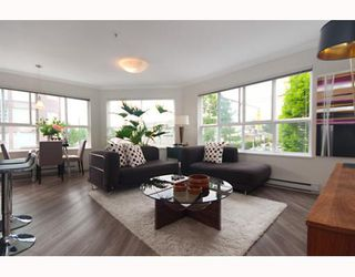 "Photo 2: 207 2680 W 4TH Avenue in Vancouver: Kitsilano Condo for sale in ""THE STAR OF KITSILANO"" (Vancouver West)  : MLS®# V772514"