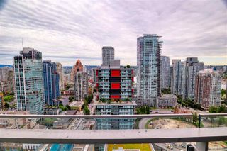 """Photo 12: 2703 1351 CONTINENTAL Street in Vancouver: Downtown VW Condo for sale in """"MADDOX"""" (Vancouver West)  : MLS®# R2393413"""