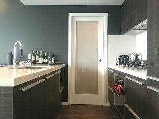 """Photo 3: 2703 1351 CONTINENTAL Street in Vancouver: Downtown VW Condo for sale in """"MADDOX"""" (Vancouver West)  : MLS®# R2393413"""