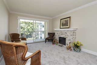 "Photo 4: 304 1459 BLACKWOOD Street: White Rock Condo for sale in ""CHARTWELL"" (South Surrey White Rock)  : MLS®# R2393628"