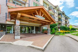 "Photo 1: 403 16068 83 Avenue in Surrey: Fleetwood Tynehead Condo for sale in ""Fleetwood Gardens"" : MLS®# R2399832"