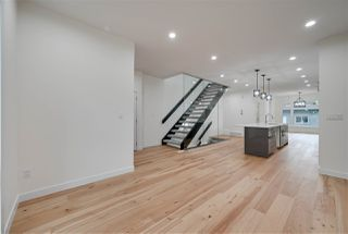 Photo 11: 8505 84 Avenue NW in Edmonton: Zone 18 House for sale : MLS®# E4172011
