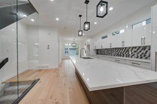 Photo 3: 8505 84 Avenue NW in Edmonton: Zone 18 House for sale : MLS®# E4172011