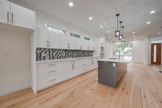Photo 4: 8505 84 Avenue NW in Edmonton: Zone 18 House for sale : MLS®# E4172011