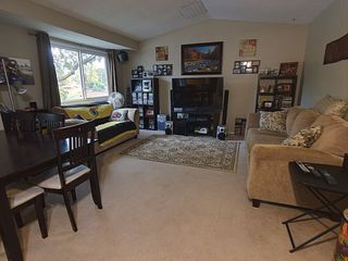 Photo 8: 427 Willow Court in Edmonton: Zone 20 Townhouse for sale : MLS®# E4173608