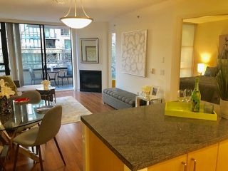 "Photo 3: 304 175 W 1ST Street in North Vancouver: Lower Lonsdale Condo for sale in ""TIME"" : MLS®# R2421607"