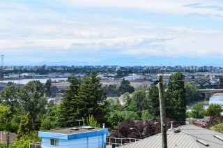 Photo 36: 2116 BURQUITLAM Drive in Vancouver: Fraserview VE House for sale (Vancouver East)  : MLS®# R2464048