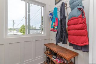 Photo 5: 2826 Cedar Hill Rd in Victoria: Vi Oaklands House for sale : MLS®# 841745