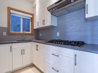 Photo 17: 627 E 28TH Avenue in Vancouver: Fraser VE House for sale (Vancouver East)  : MLS®# R2499085
