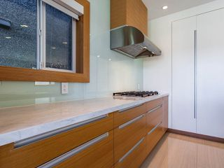 Photo 13: 627 E 28TH Avenue in Vancouver: Fraser VE House for sale (Vancouver East)  : MLS®# R2499085