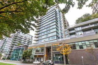 "Main Photo: 356 168 W 1ST Avenue in Vancouver: False Creek Condo for sale in ""WALL CENTRE - FALSE CREEK"" (Vancouver West)  : MLS®# R2510133"