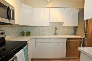 """Photo 9: 406 1157 NELSON Street in Vancouver: West End VW Condo for sale in """"HAMPSTEAD HOUSE"""" (Vancouver West)  : MLS®# R2528875"""