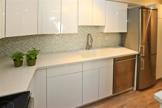 """Photo 7: 406 1157 NELSON Street in Vancouver: West End VW Condo for sale in """"HAMPSTEAD HOUSE"""" (Vancouver West)  : MLS®# R2528875"""