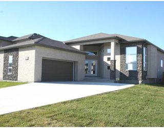 Photo 1:  in WINNIPEG: Windsor Park / Southdale / Island Lakes Residential for sale (South East Winnipeg)  : MLS®# 2917441
