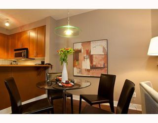 """Photo 2: 1306 4655 VALLEY Drive in Vancouver: Quilchena Condo for sale in """"ALEXANDRA HOUSE"""" (Vancouver West)  : MLS®# V797450"""