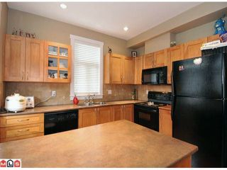 """Photo 2: 20 15255 36TH Avenue in Surrey: Morgan Creek Townhouse for sale in """"Ferngrove"""" (South Surrey White Rock)  : MLS®# F1017006"""