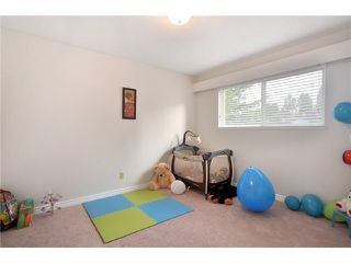 Photo 7: 7964 GOODLAD Street in Burnaby: Burnaby Lake 1/2 Duplex for sale (Burnaby South)  : MLS®# V864351