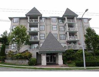 "Photo 1: 304 135 11TH ST in New Westminster: Uptown NW Condo for sale in ""QUEENS TERRACE"" : MLS®# V579106"