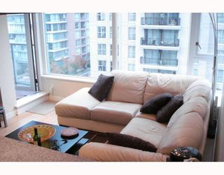 "Photo 7: 1003 1001 RICHARDS Street in Vancouver: Downtown VW Condo for sale in ""MIRO"" (Vancouver West)  : MLS®# V738446"