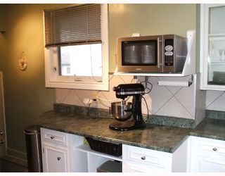 Photo 4: 435 MCADAM Avenue in WINNIPEG: West Kildonan / Garden City Single Family Detached for sale (North West Winnipeg)  : MLS®# 2717446