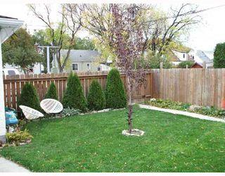 Photo 9: 435 MCADAM Avenue in WINNIPEG: West Kildonan / Garden City Single Family Detached for sale (North West Winnipeg)  : MLS®# 2717446