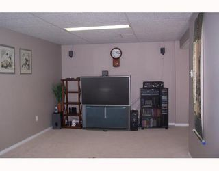 Photo 17: 38 HOGARTH Crescent SW in CALGARY: Haysboro Residential Detached Single Family for sale (Calgary)  : MLS®# C3372925
