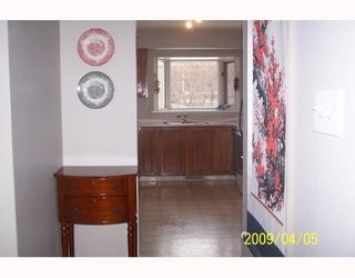 Photo 2: 38 HOGARTH Crescent SW in CALGARY: Haysboro Residential Detached Single Family for sale (Calgary)  : MLS®# C3372925
