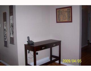 Photo 4: 38 HOGARTH Crescent SW in CALGARY: Haysboro Residential Detached Single Family for sale (Calgary)  : MLS®# C3372925