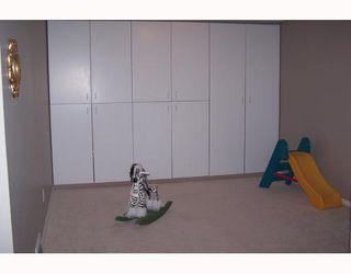 Photo 12: 38 HOGARTH Crescent SW in CALGARY: Haysboro Residential Detached Single Family for sale (Calgary)  : MLS®# C3372925