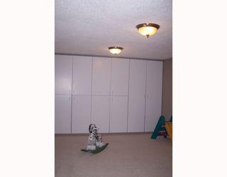 Photo 13: 38 HOGARTH Crescent SW in CALGARY: Haysboro Residential Detached Single Family for sale (Calgary)  : MLS®# C3372925