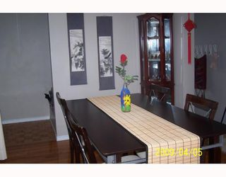 Photo 6: 38 HOGARTH Crescent SW in CALGARY: Haysboro Residential Detached Single Family for sale (Calgary)  : MLS®# C3372925