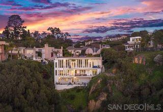 Photo 1: LA JOLLA House for sale : 6 bedrooms : 6106 Avenida Chamnez