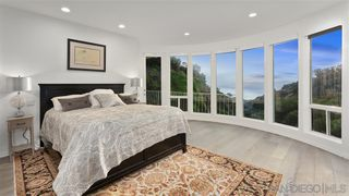 Photo 13: LA JOLLA House for sale : 6 bedrooms : 6106 Avenida Chamnez